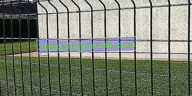 Kako instalirati krutu žičanu mrežu oko kuće?